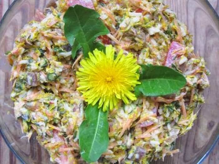 Insalata di fiori di tarassaco
