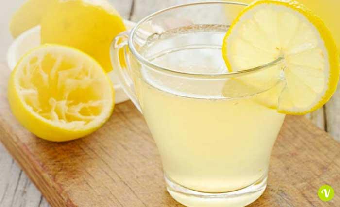 5 motivi per cui si dovrebbe iniziare a bere acqua calda ora 1